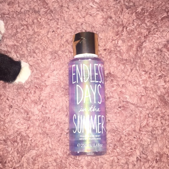 200f21b3 Endless Days in the Summer Body Mist